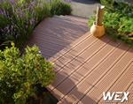 Terrasse en bois composite pour une maison privée des Alpes