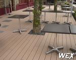Terrasse en bois composite pour un restaurant de Bretagne